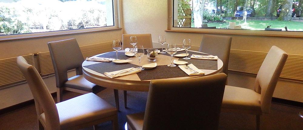 table ronde restaurant la forêt