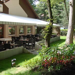 Terrase d'été du restaurant la Forêty